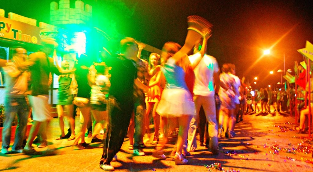 fuzzy conga line at sr. frogs in nap