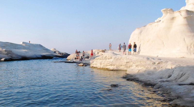 sarakiniko beach views in milos