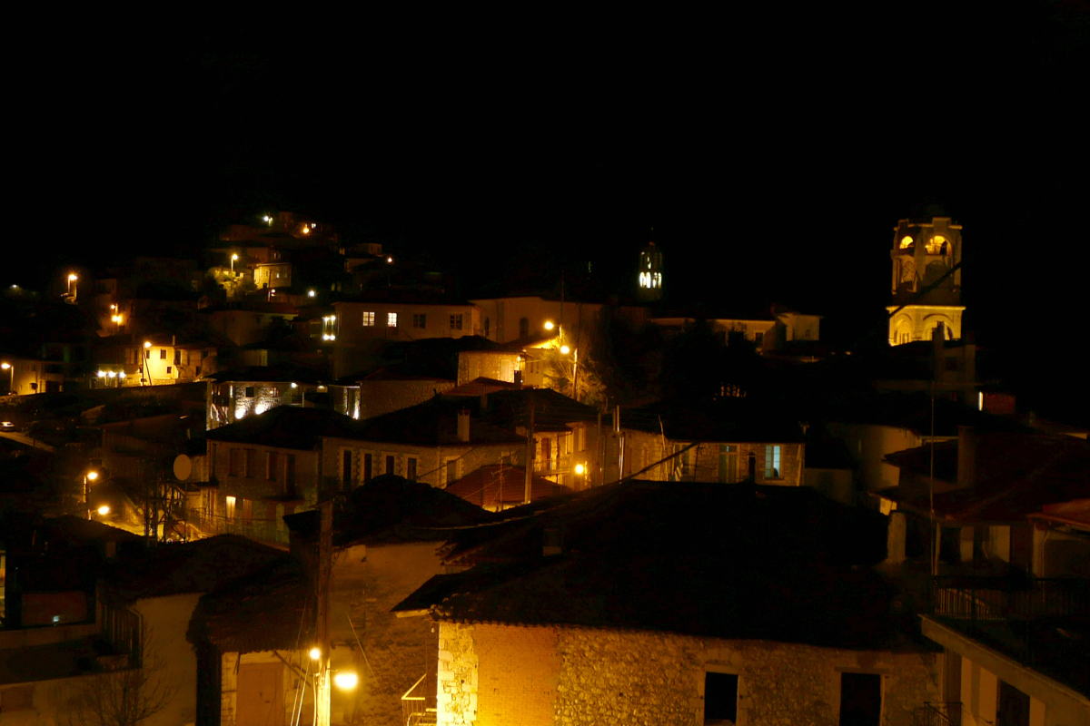 Dimitsana at Night by Auteur Flickr Creative Commons