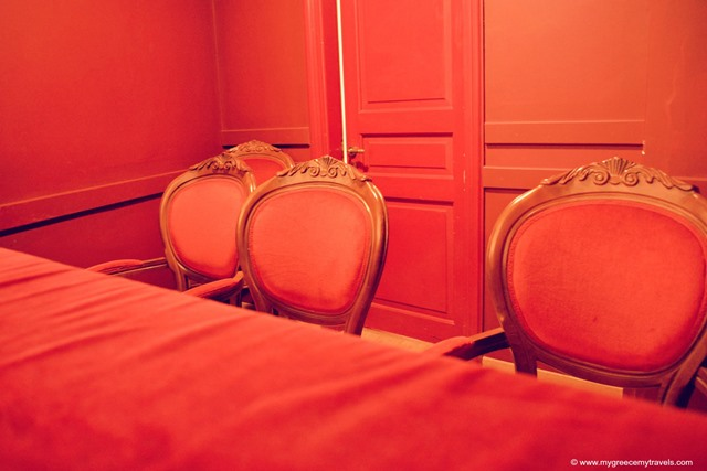 apollon theatre interior reds