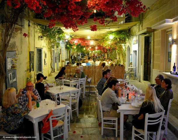 dining at kouzina in syros
