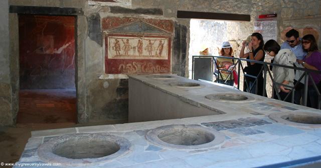 a restaurant pompeii