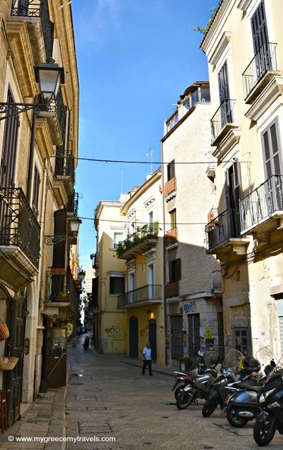 streets of bari vecchia