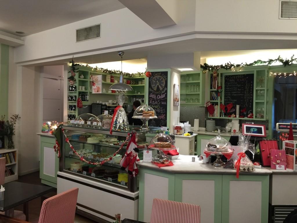 Smoke free cafes in Athens? Cake in Kolonaki.