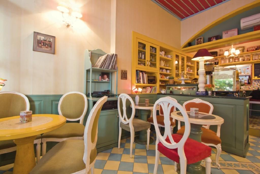 Smoke Free Cafes in Athens. Photo courtesy of Petit Fleur.
