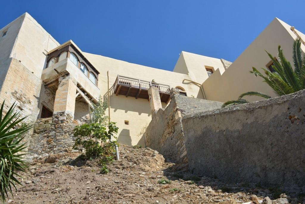 Naxos Castro