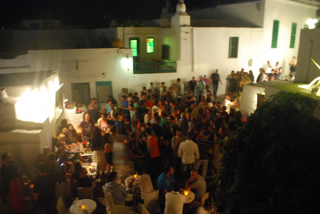 Nightlife crowds in Sifnos.
