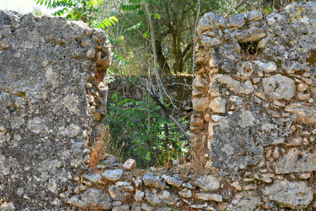 The abandoned earthquake villages of Kefalonia, Greece (2)