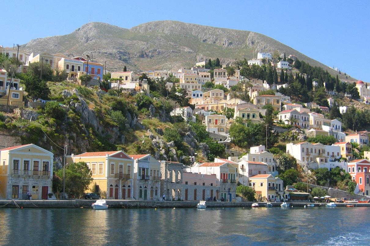 Santorini or Mykonos the best greek island