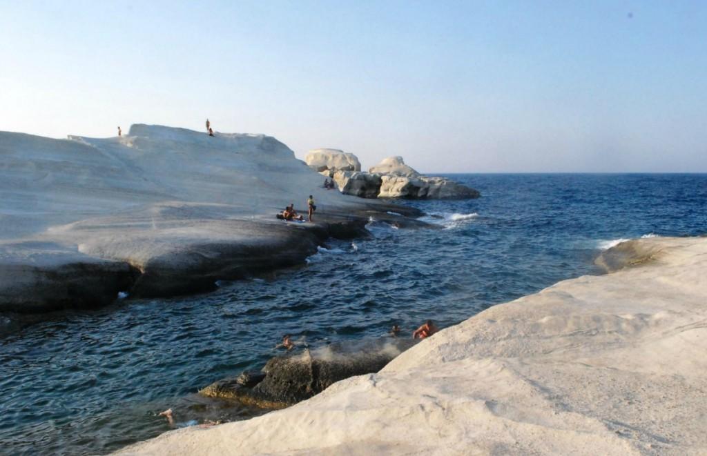 the best beaches in Milos