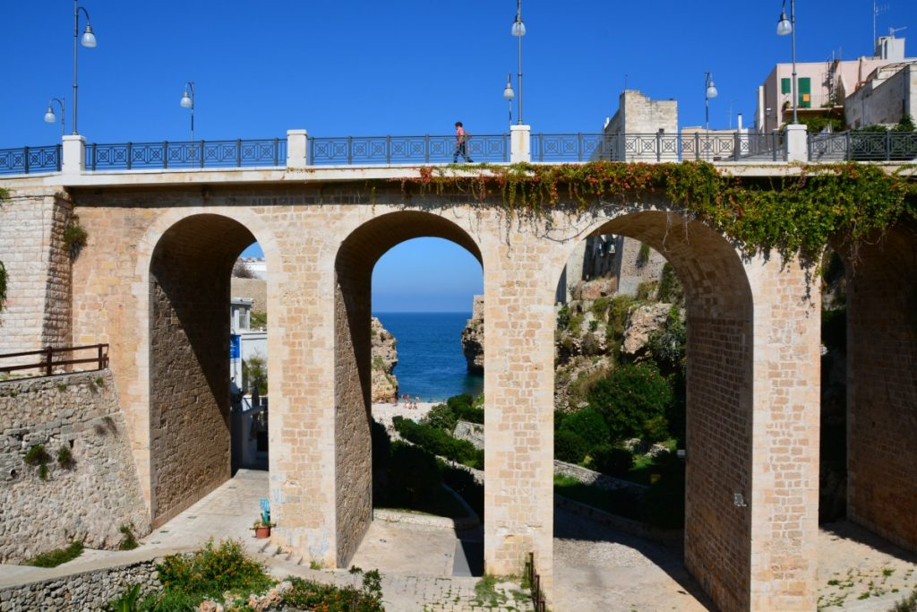 Ponte Lama Monachile_Things to Do in Polignano a Mare mygreecemytravels (26)