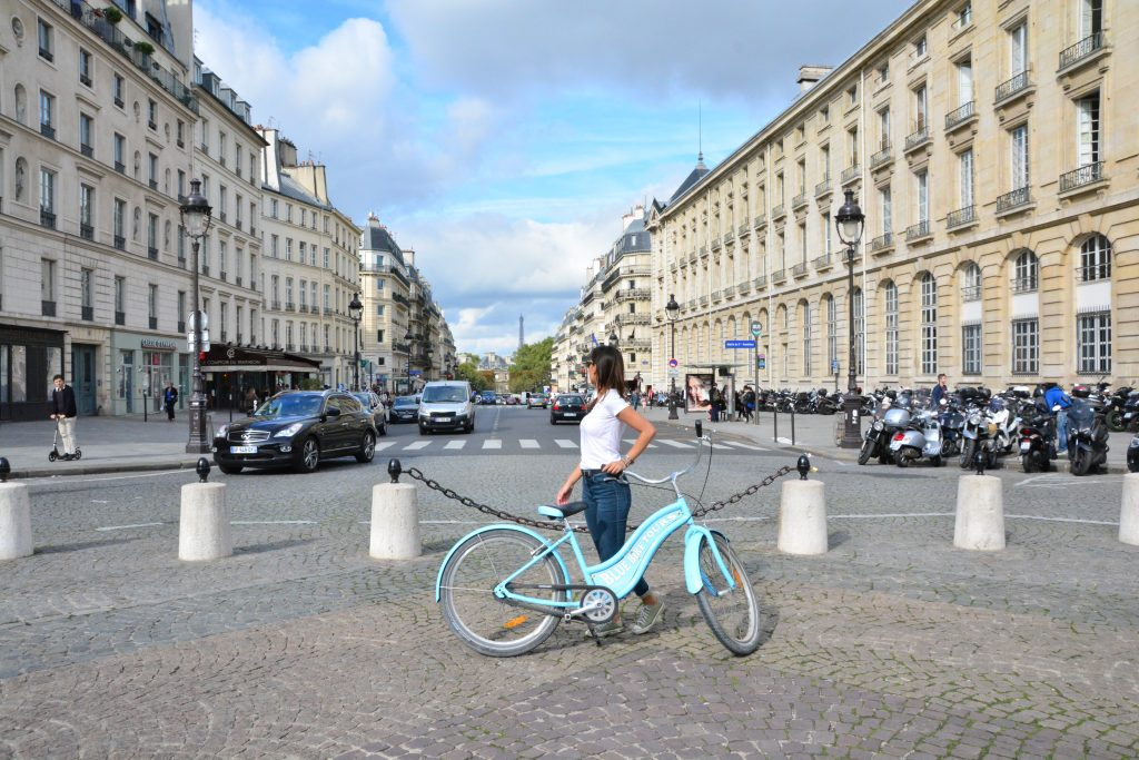 blue bike tours bicycling in paris travel greece travel europe. Black Bedroom Furniture Sets. Home Design Ideas