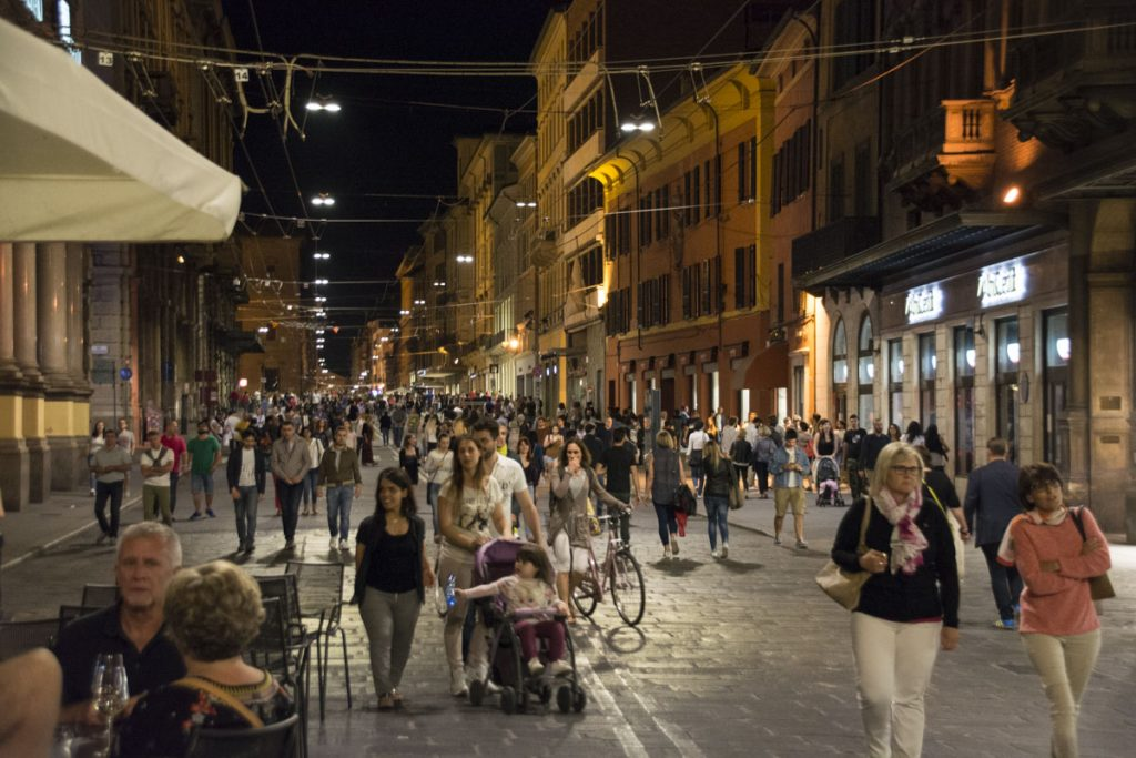 bologna things to do at night - photo#20